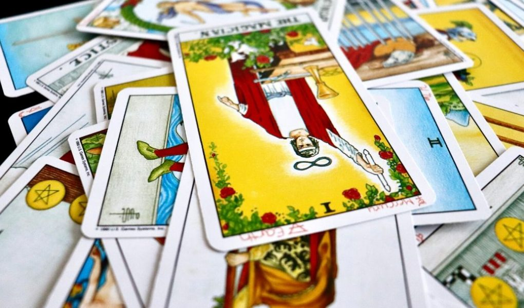 connect with a new tarot deck